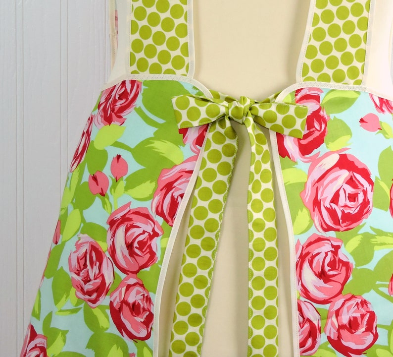 Tumble Roses in Pink Retro 50s Smock relaxed fit smock with image 0