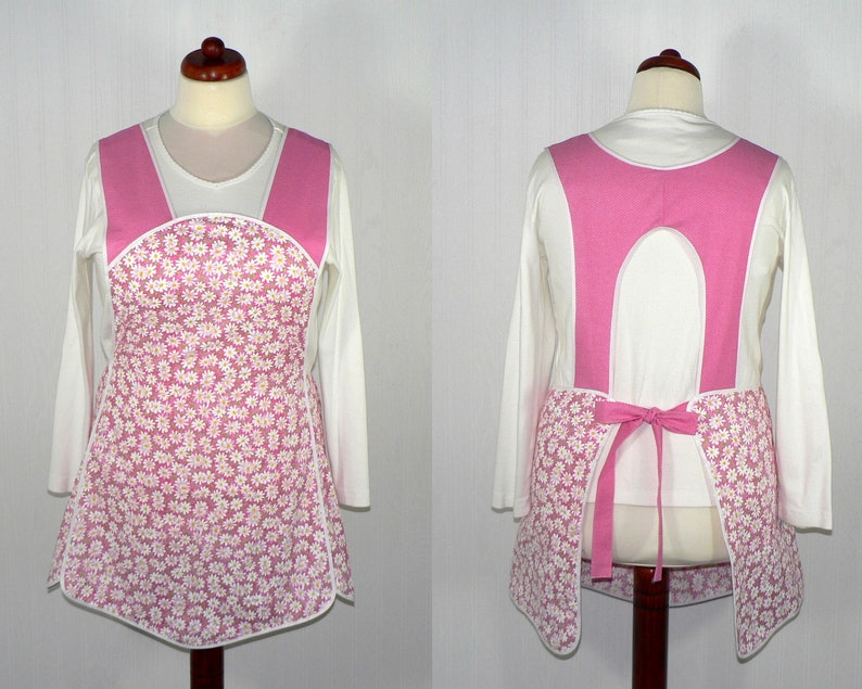 Retro 50s Smock Daisies and Pin-dots in Pink hostess apron image 0