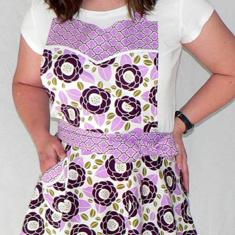 Lilac BloomTwirly Skirt Apron with sweetheart neckline flirty image 0