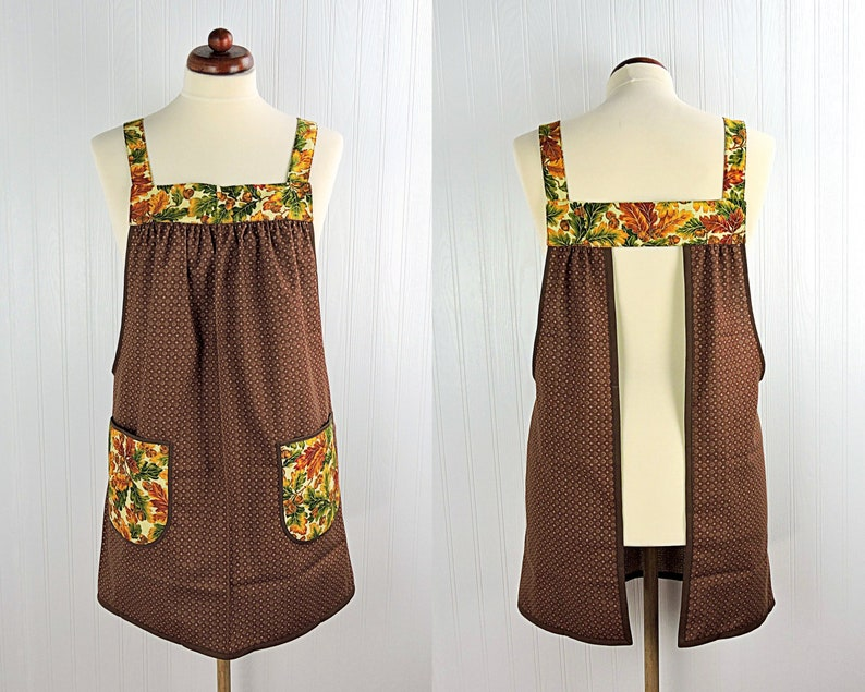 Oak Leaves & Acorns Pinafore with no ties relaxed fit smock image 0