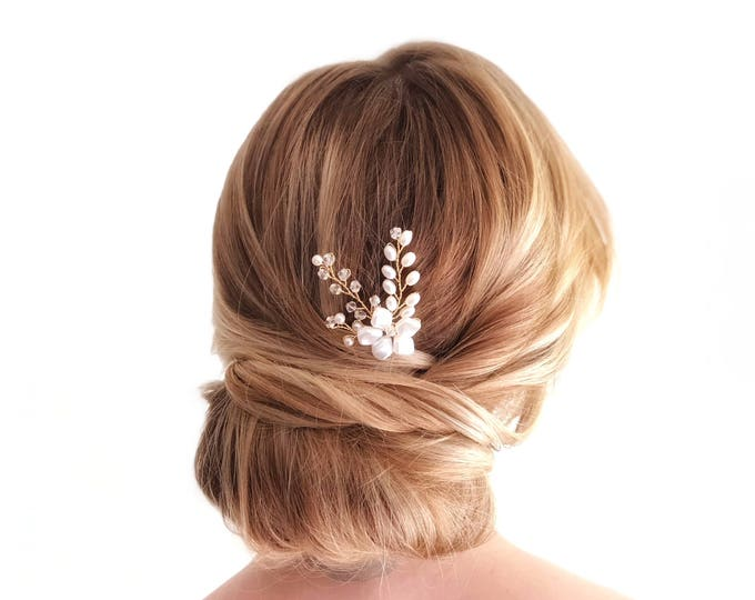 Gold Pearl Hair Pin, Wedding Hair Accessories, Bridal Headpiece, Gold flower Hair pins, Pearl Bridal Hair pins, Pearl Bridal Accessories