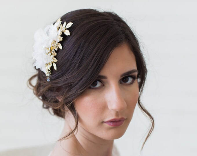Wedding Hair Accessories, Gold Leaves Headpiece, Blush Flower Headpiece, Ivory Flower Hair Comb, Bridal Hair Accessories, Gold Hair Clip