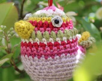 Crochet Pattern for Grandma Bird Bauble!