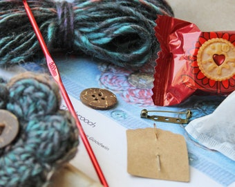 Crochet Kit to make your very own Floo'ery Brooch