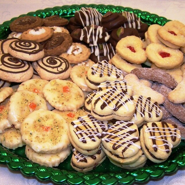 Request a custom order and have something made just for you. Large Cookie Platter