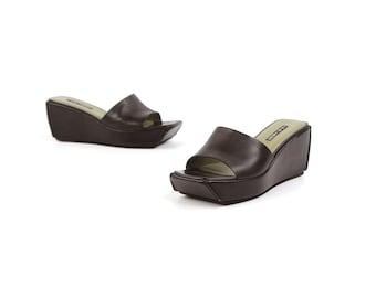 37fef913911 Vintage 90s Nine West Black Leather Plateform Wedge Slip On Open Toe  Sandals Shoes 9