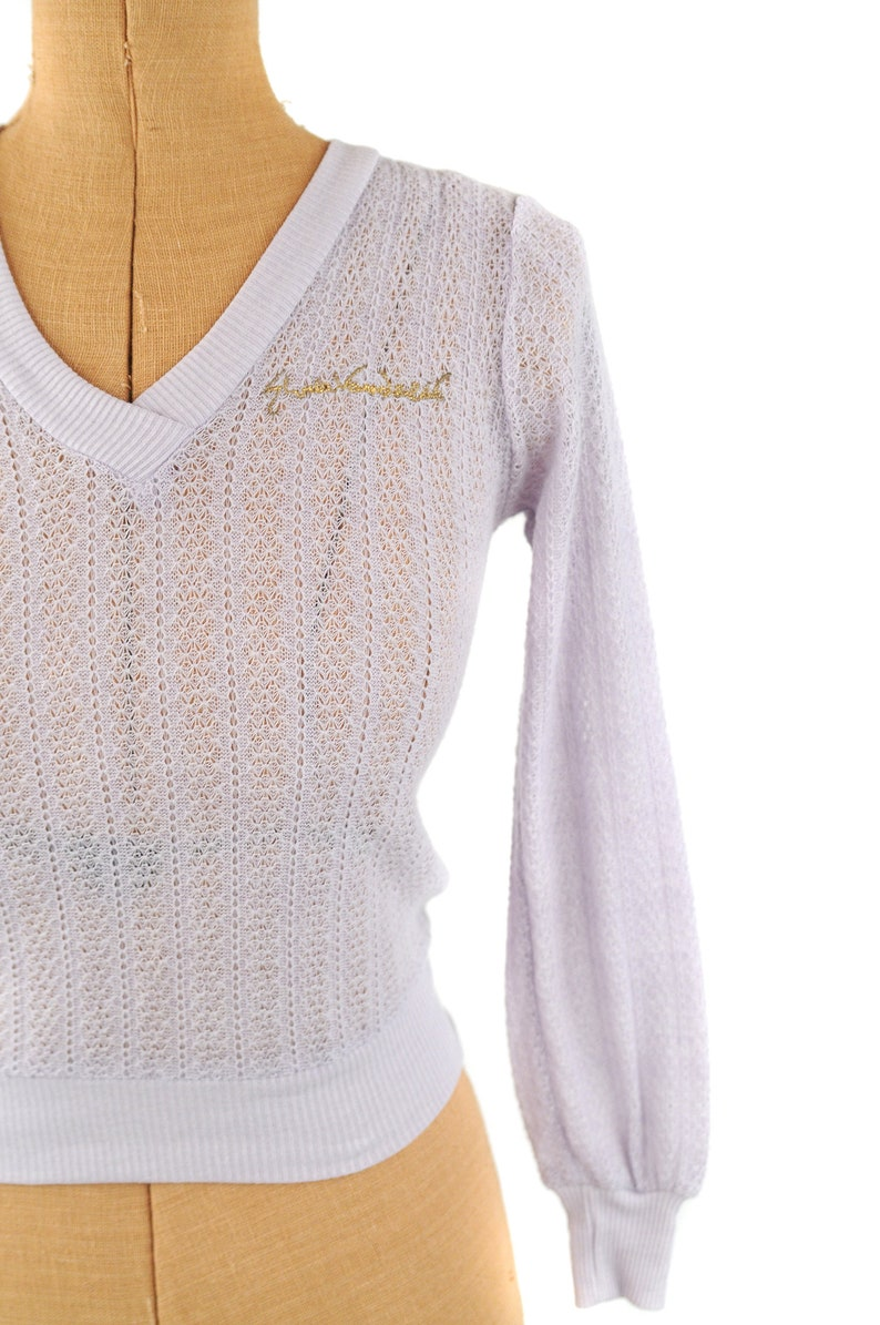 Vintage 70s Gloria Vanderbilt Sheer Pastel Purple Gold Signature Preppy Sweater S