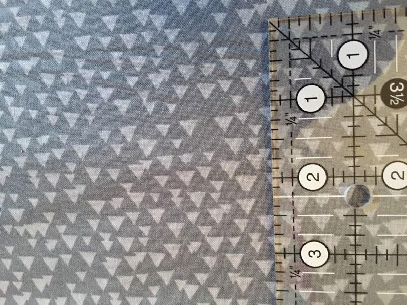 Sale Timeless Treasures cotton fabric fun little tonel triangles in grey Fun3776