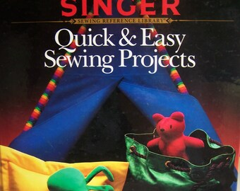 """Singer """"Quick & Easy Sewing Projects"""" Book Hardcover 127 pages, Gift Ideas Toys, Home Dec"""