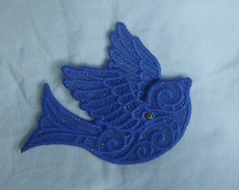 Lace Applique - 3-D Bird with Moveable Wings - any color