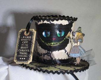 Halloween im Wunderland Cheshire-Katze und Alice Fascinator Hut