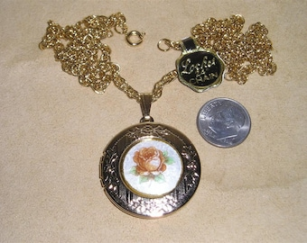 Vintage Guilloche Rose Locket Pendant Necklace 1960's Jewelry 60009