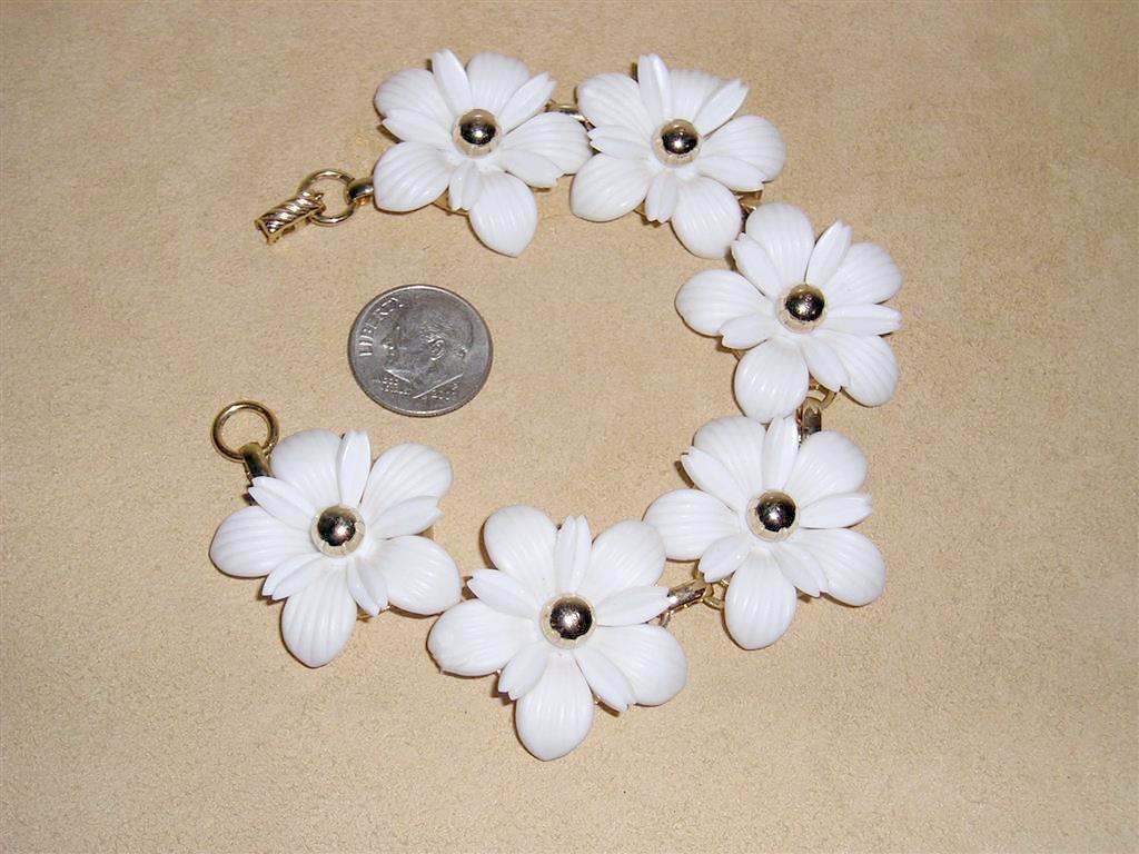 Vintage Signed Sac Sarah Coventry White Plastic Flower Etsy