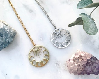 The Moon Vibes necklace