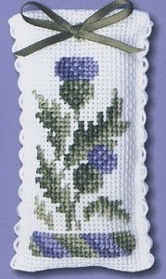 Scotties et WESTIES cross stitch ensemble cadeau par Textile Heritage