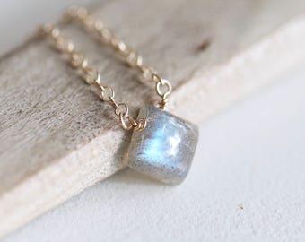 Dainty Labradorite Necklace, Gold Gemstone Necklace, Flashy Labradorite, Minimalist Birthstone Necklace, 14K Gold Filled Necklace / Delicate