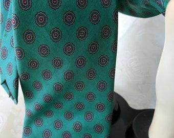 b824a09ef54 Retro Robert Talbott Nordstrom Green Tie Hand Sewn Silk Handblock Printed  in England  ebp