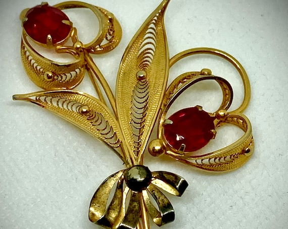 Gold and Red Rhinestone Flower Brooch, Vintage Brooch, Vintage Pin, Vintage Lapel, Gold and Red Rhinestone Pin, Flower Brooch, Weddings