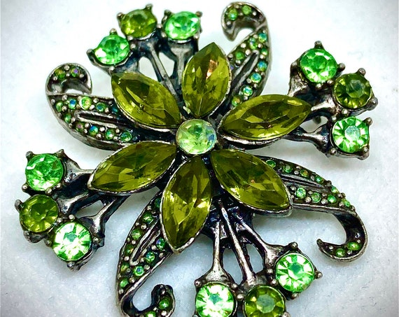 Vintage Green Rhinestone Flower Brooch, Vintage Brooch, Vintage Pin, Vintage Lapel, Green Rhinestone Pin, Flower Brooch, Weddings
