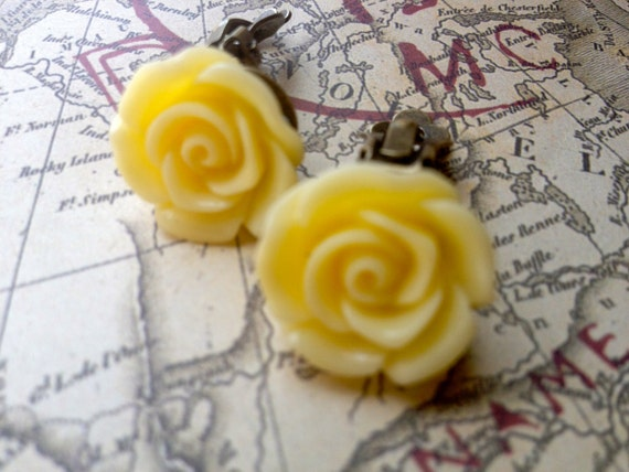 Clip On Earrings, Vintage Style Earrings, Yellow Rose Cabochon Earrings, Rose Earrings, Flower Earrings