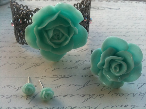 Jewelry Bracelet Ring Earrings 4 Piece Gift Set Mint Green Rose Cabochon Bracelet Ring and Earring Set Womens Gifts