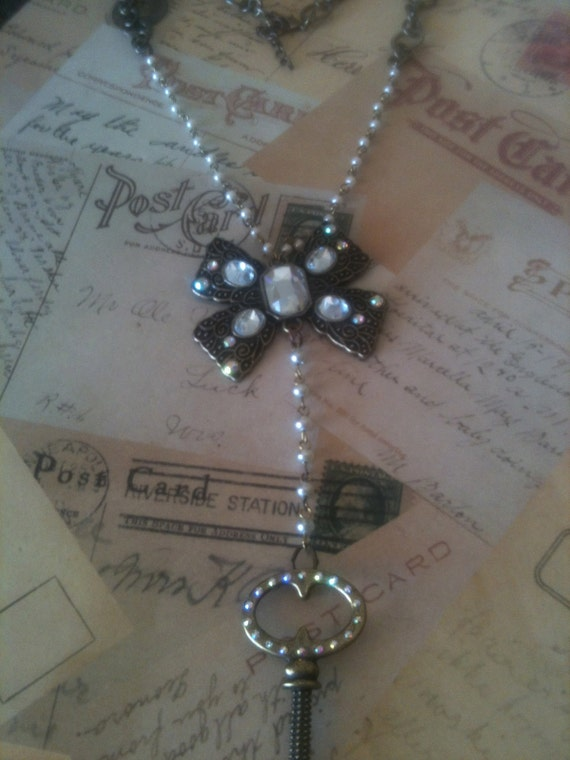 Jewelry Necklaces, Vintage Necklace, Vintage Necklaces, Unique Necklaces, Charm Necklaces, Pendant Necklaces, Key Necklace, Bow Necklace