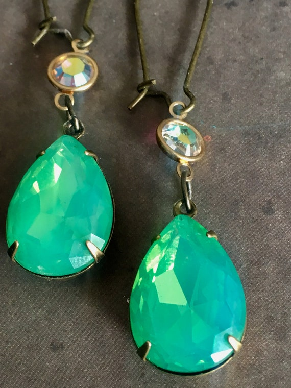 Jewelry, Earrings for Women, Dangle and Drop Earrings, Swarovski Earrings, Green Earrings, Vintage Earrings, Crystal Earrings