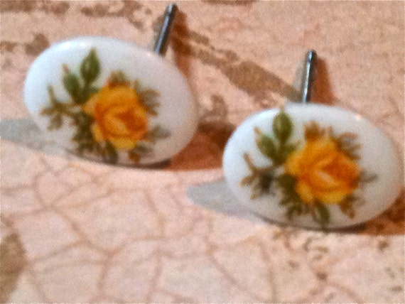 Jewelry Earrings Post Children's FREE US SHIPPING Earrings Vintage Yellow Rose Glass Cabochon