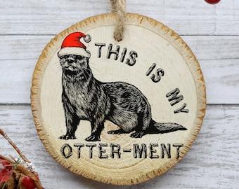 Otter Ornament, Funny Christmas Tree Ornament, Natural Pine Wood Slice, Animal Ornament Decoration, Gift Idea