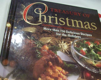 Vintage, Christmas Cook Book, Hard Cover, Treasury of Christmas, 750 Holiday Recipes, Famous Brands, Golden Edged Pages, Jello, Lipton, Dole