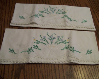 Vintage, Embroidered Pillowcase Pair, Swans, Hand Stitched, Embroidery, Pillow Cases, Set of 2, White & Green, Lovely, Vintage Bedding