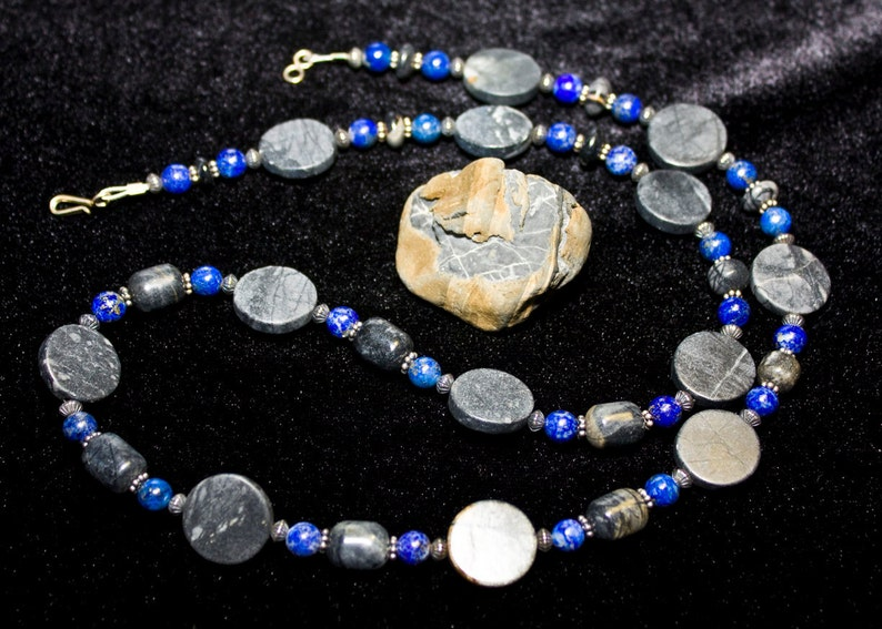 Piscasso Quartz and Lapis Lazuli beaded necklace