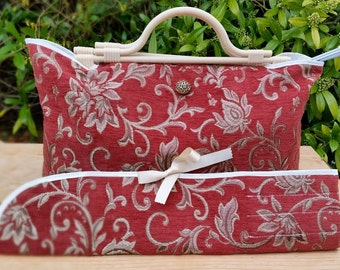 Large Knitting Bag + Pin Case, Bamboo Effect Handles, Cream Lining, 3 Inner Pockets decoratively stitched