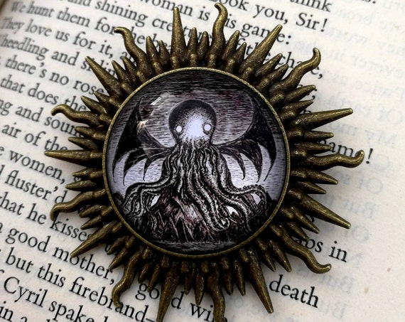 Call of Cthulhu sunburst brooch pin