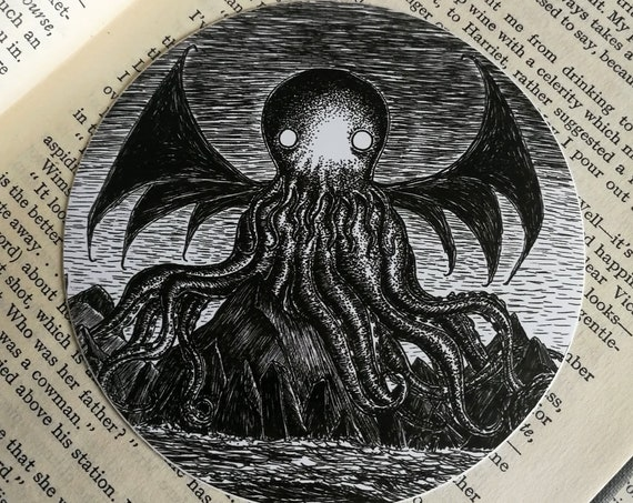 The Call of Cthulhu vinyl sticker- circular HP Lovecraft laptop sticker