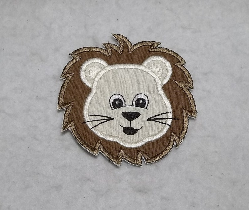 LION CHILDRENS YELLOW//BROWN IRON ON APPLIQUE
