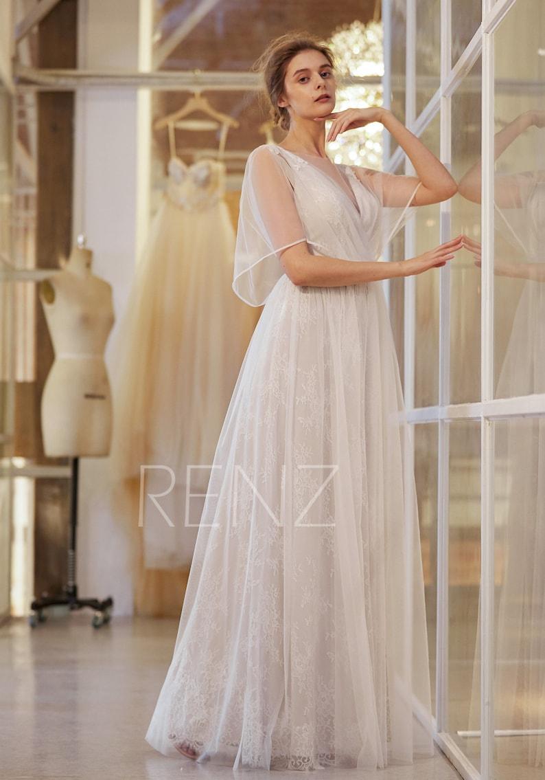 Wedding Dress Off White Bridal Dress Long Tulle Wedding Gown Boho V Neck Ruffle Sleeves Beach Wedding Dress Open Back Formal Dress HW920