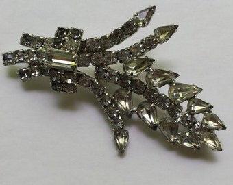 Gorgeous Vintage Rhinestone Brooch Pin