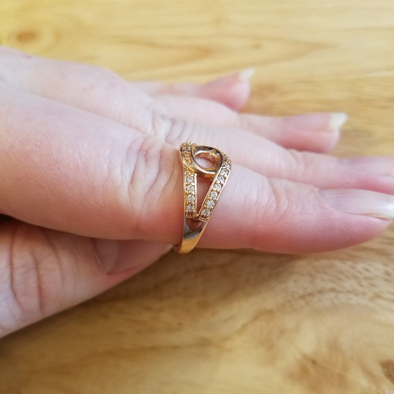cocktail ring Vintage Faux Diamond Ring size 7.25 rose gold tone ring