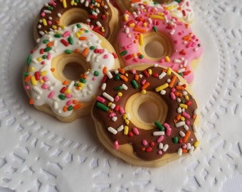 Dolls, Bears Other Dolls House Miniature Pink Flower Shaped Donuts