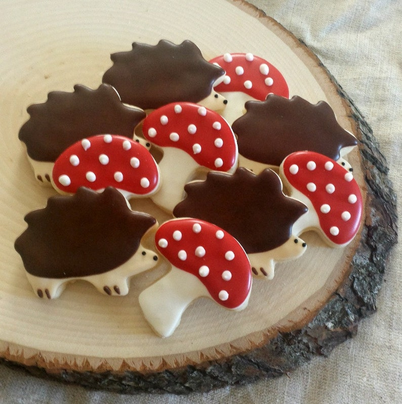 Little Hedgehog and Mushroom Cookies  Mini Woodland Sugar image 0