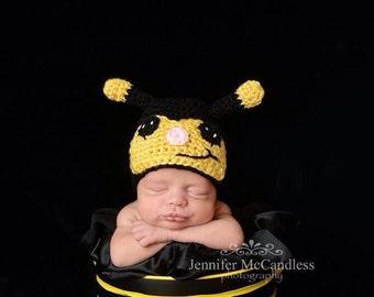 Crochet Newborn Bumble Bee Beanie - bumble bee hat, newborn bumble bee, newborn photo prop