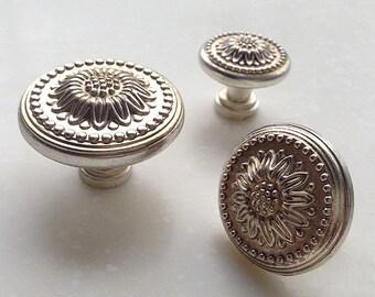 XMLJPZ032 French Shabby Chic Dresser Knobs  Antique Silver Kitchen Cabinet Pull Knobs Furniture Hardware