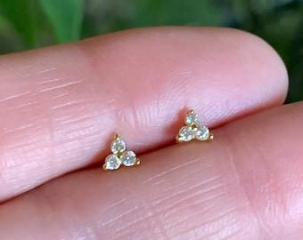 Tiny stud earrings - 3 stone stud earrings - diamond earrings - tiny earrings