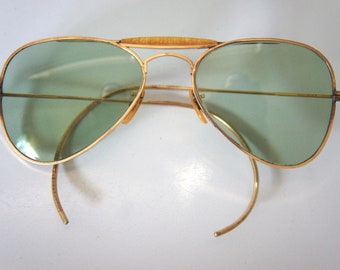 5c0b1fe4ca 1940 s Aviator Sunglasses 12 Karat Gold Filled