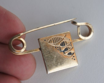 1960's Safety Pin Connected Fish Family Gold Tone Pantsuit Nation Hillary Clinton