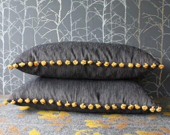 Taie d'oreiller grise avec frange pom pom jaune, coussin lombaire, décoration minimaliste, housse de coussin rectangulaire, 25 x 15 pouces housse (#4)