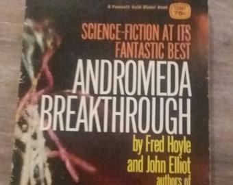 Science Fiction Paperback Andromeda Breakthrough Fred Hoyle John Elliot  Fawcett Gold Medal Publication 1970