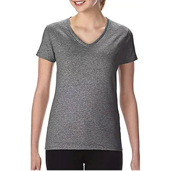Mise à jour de T-shirt à col en v