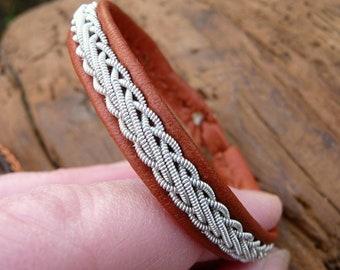 Sami bracelet, S / 17 cm, Cognac brown reindeer leather, Pewter braid, Antler closure, THOR ready to ship